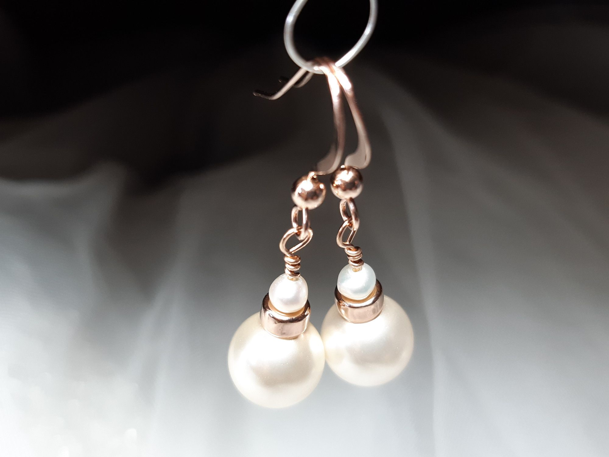 Occasion-bridal-wedding-pearl earrings with rose gold-4