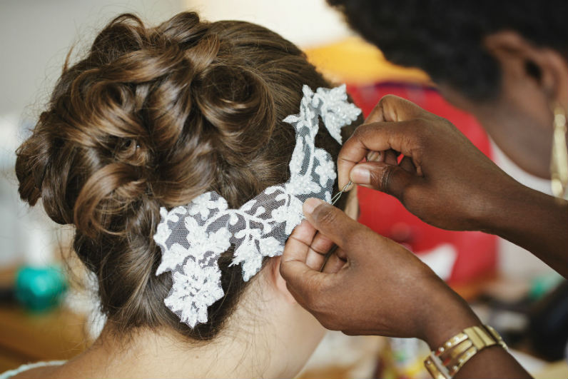 crips barn- cotswold-wedding-hairstylist-uk-elisa 2
