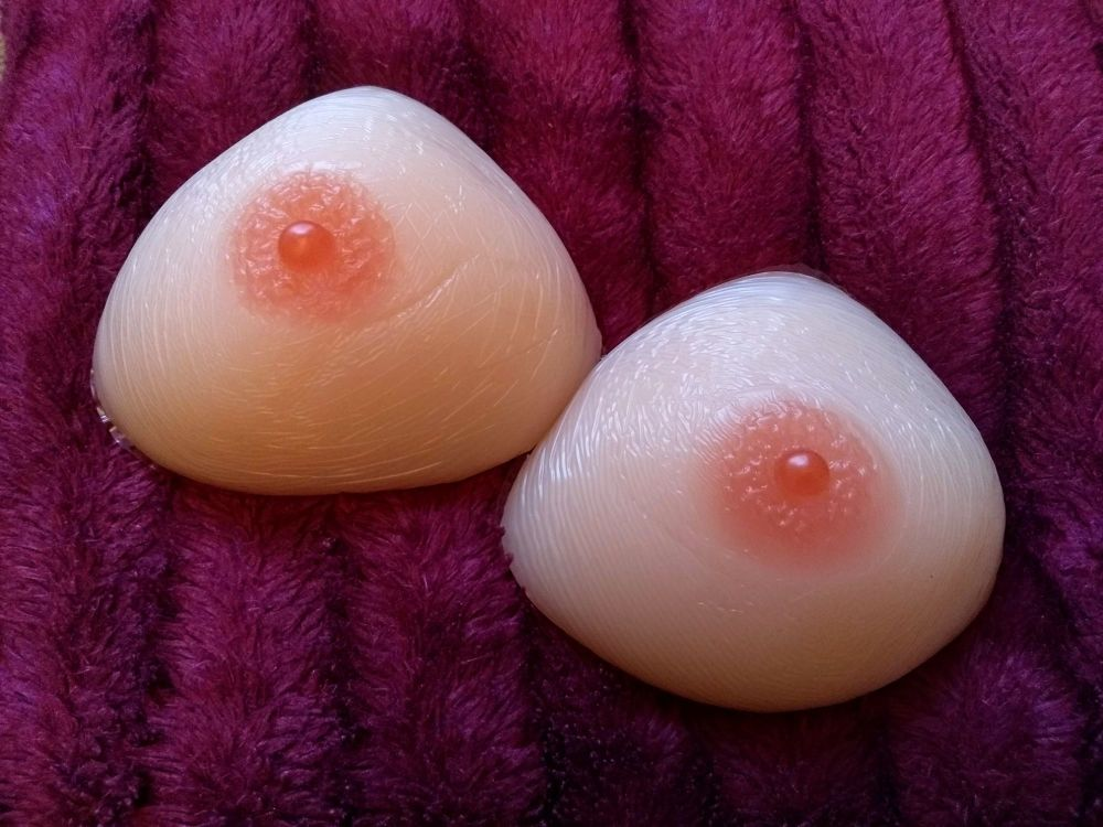Triangle 400g/800g plain nipple PAIR - She's been a little squished and now