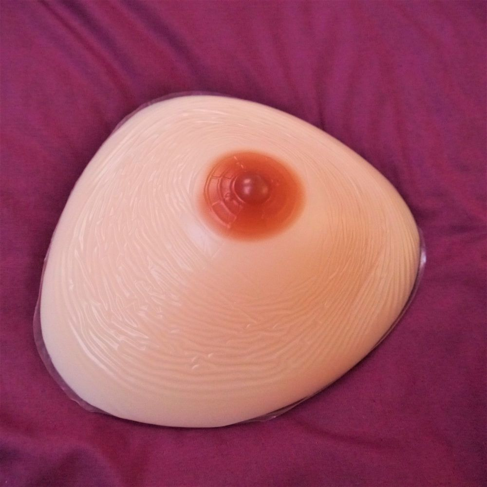 <!-- 020 --> Single Breast Form - Triangle 300g
