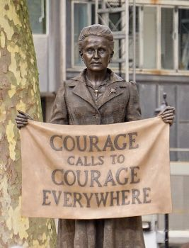 686px-Millicent_Fawcett_Statue_02_-_Courage_Calls_(27810755638)_(cropped)