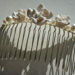 Glass Pearl Comb with White Flowers  £12