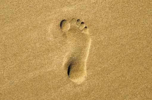 footprint-in-sand