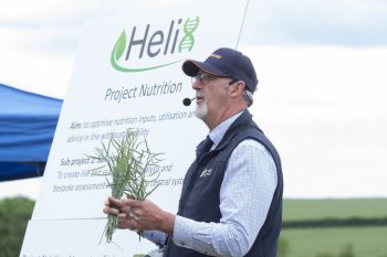 Dick Neale presenting Nutrition Helix cropped