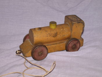 Vintage Wooden Pull Along Train (2)