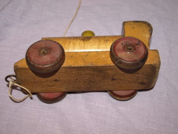 Vintage Wooden Pull Along Train (3)