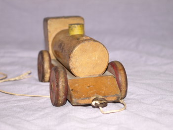 Vintage Wooden Pull Along Train (5)