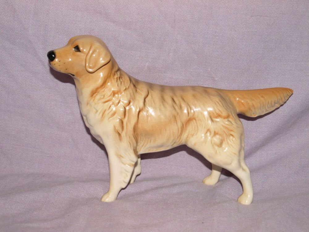 Beswick Golden Retriever Dog. Model Number 2287.