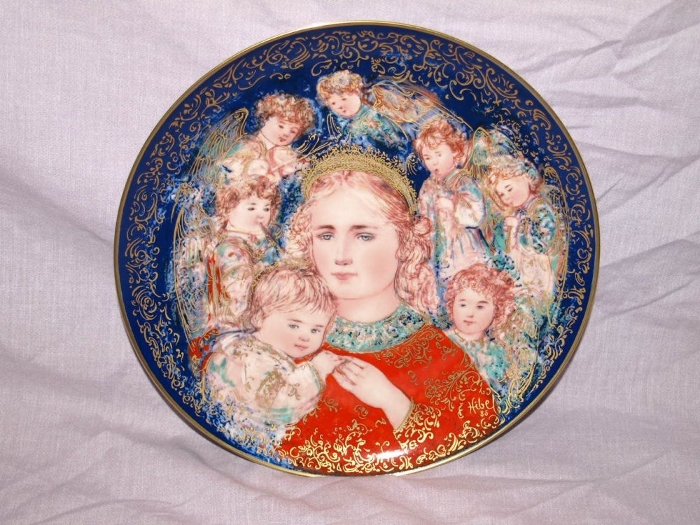 Edna Hibel Limited Edition Christmas Plate by Knowles, The Angels Message.