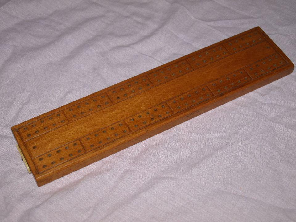 De La Rue Wooden Cribbage Board.