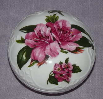 Aynsley Chelsea Flowers Trinket Box.