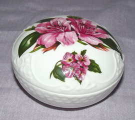 Aynsley Chelsea Flowers Trinket Box (2)