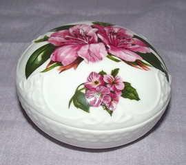 Aynsley Chelsea Flowers Trinket Box (2)