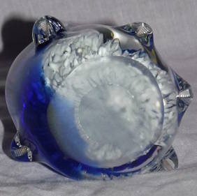 Penguin With Babies Glass Paperweight (4)