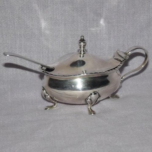 Silver Mustard Pot, Oldfields Ltd 1922.
