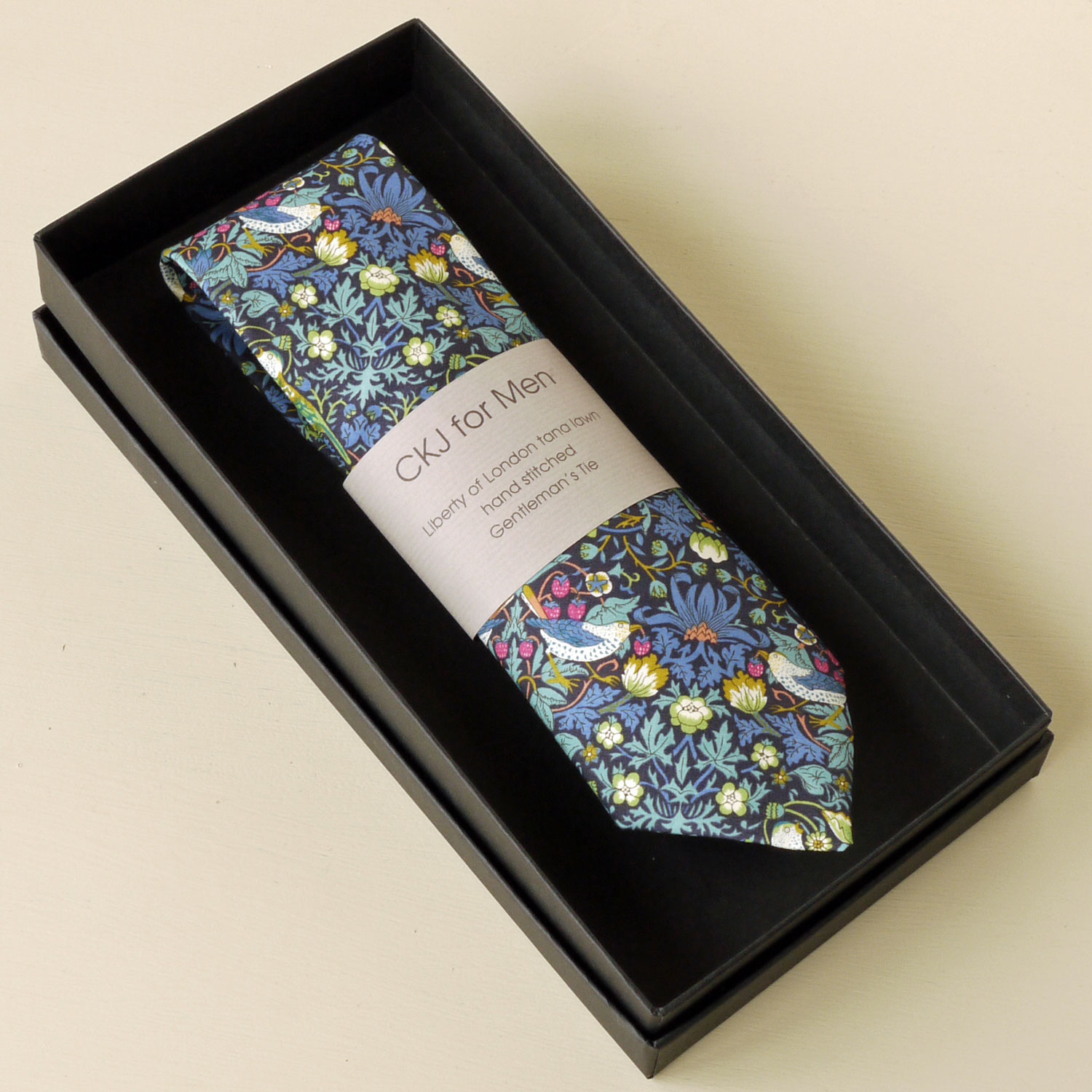 If you are giving a CKJ tie as a gift why not make it extra special by presenting it in one of our luxury matt black gift boxes & Gift Box for Tie Aboutintivar.Com