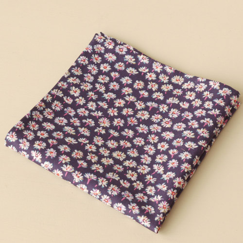 Daisy flower pocket square - Liberty tana lawn Bellis