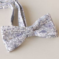 Lodden grey bow tie made with Liberty fabric