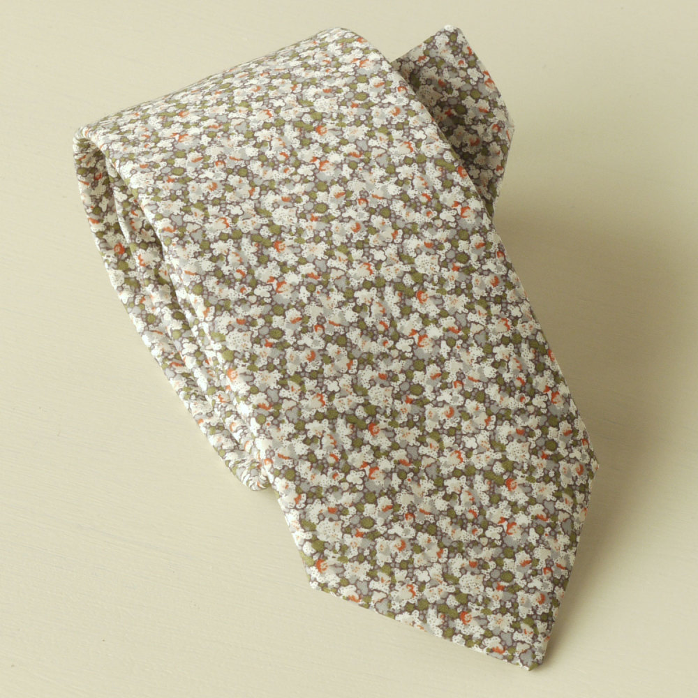 Hand-stitched Liberty tana lawn tie - Pepper olive green