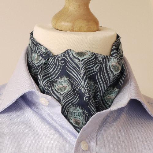 liberty-cravat-caesar