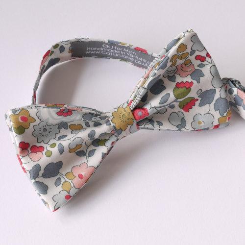 Floral bow tie - Liberty tana lawn Betsy grey