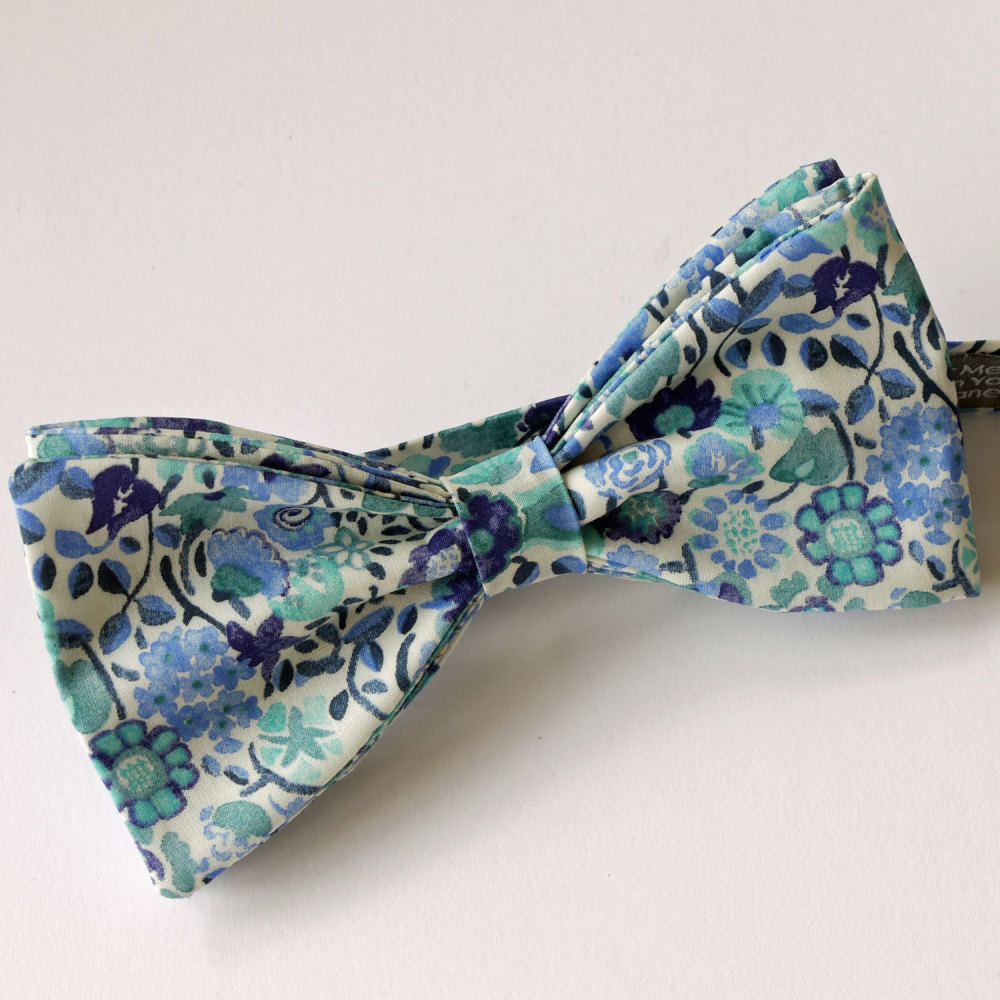 Blue floral bow tie - Liberty bow tie Kaylie Sunshine