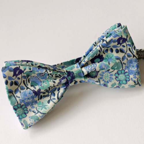 Blue floral bow tie - Liberty bow tie Kaylie Sunshine
