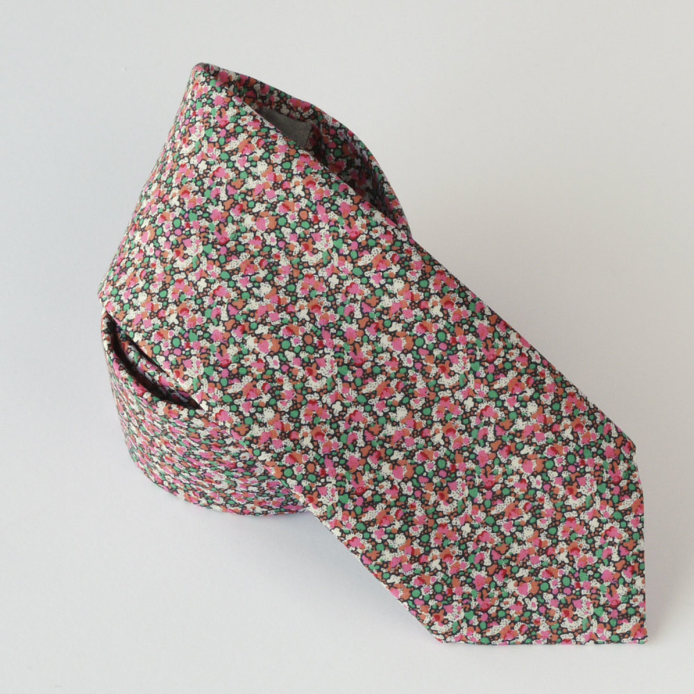 Classic Liberty print tie - Pepper green and pink