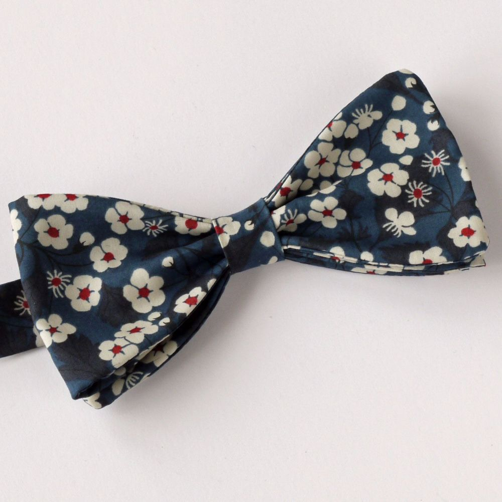 Liberty print bow tie - Mitsi blue