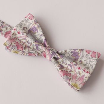 Classic Liberty print Lodden purple bow tie
