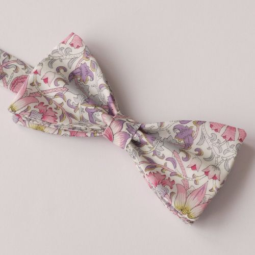 Classic Liberty print Lodden pink bow tie