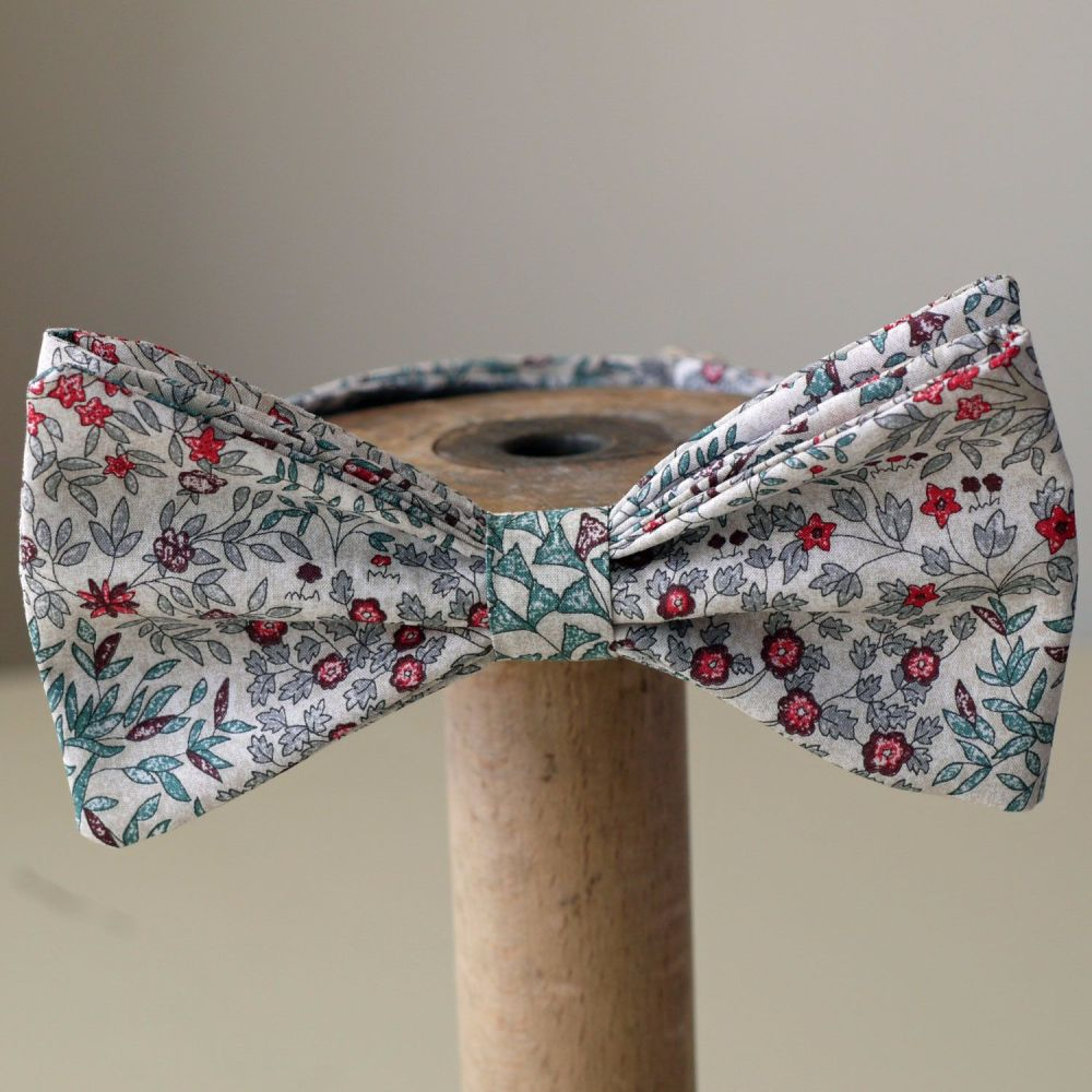 Liberty print Jess and Jean bow tie