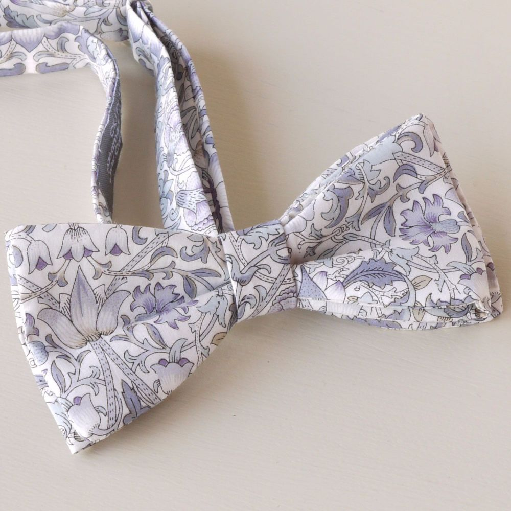 Custom order for 2 Liberty print Lodden bow ties with matching pocket squar