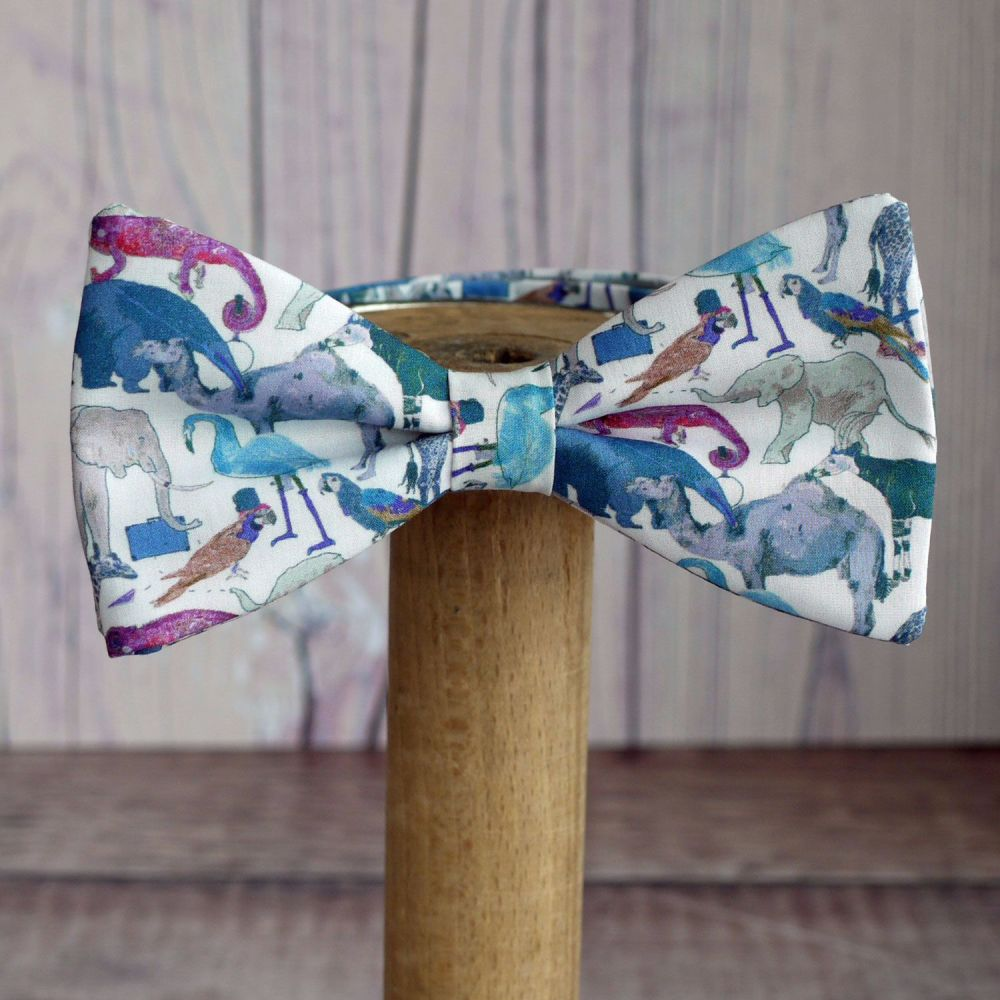 Fun Zoo Animal Liberty print bow tie - Queue for the Zoo blue