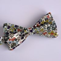 Liberty print Wiltshire Berry bow tie