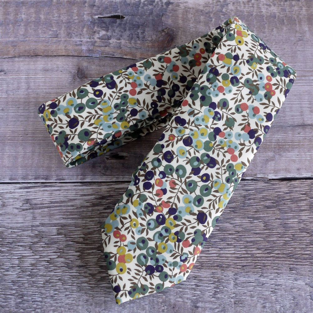 Mens pocket square - Liberty tana lawn Wiltshire Berry