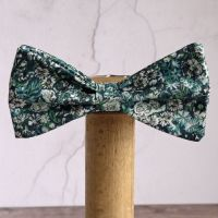 Floral Liberty print bow tie - Chive green