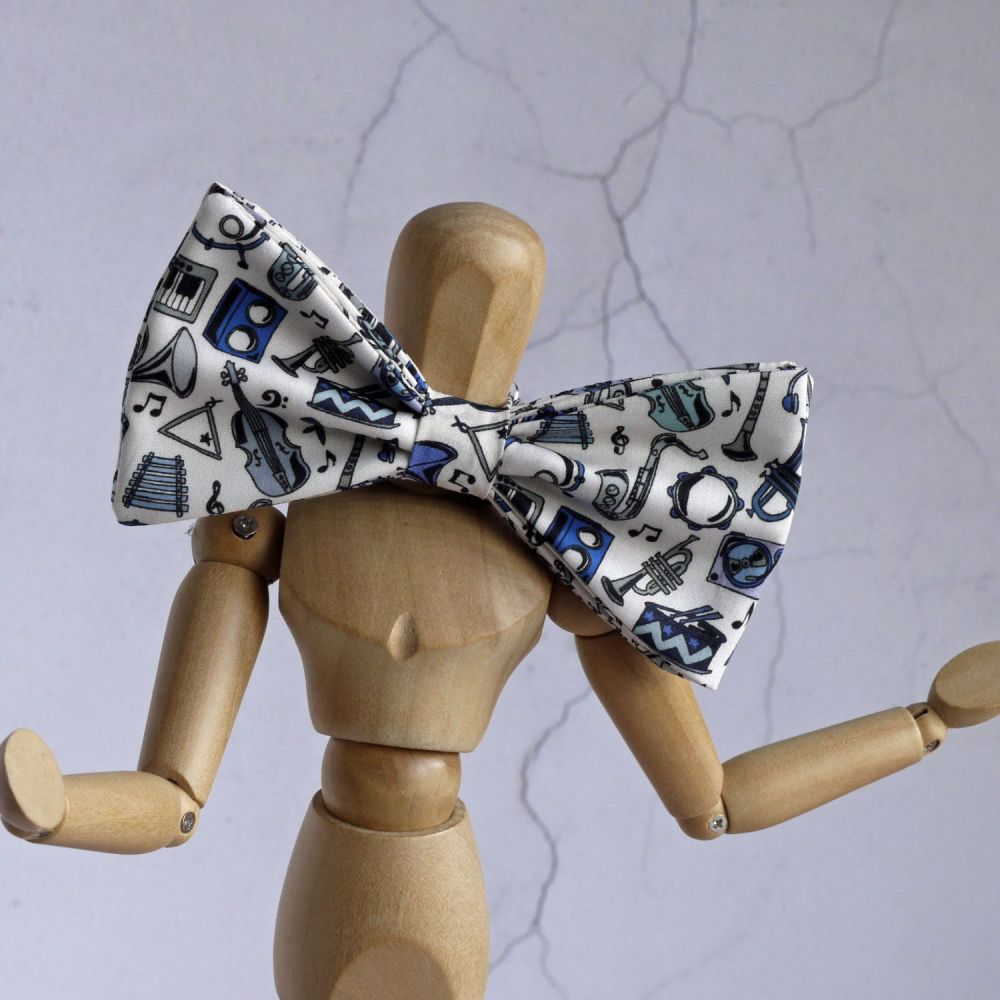 Fun Musical Liberty print bow tie - Miles