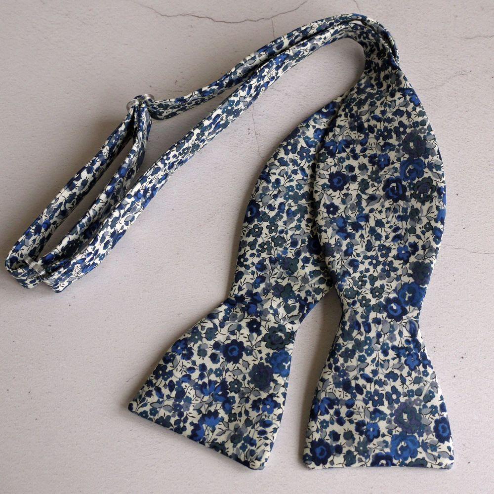Floral Liberty print bow tie - Emma & Georgina blue
