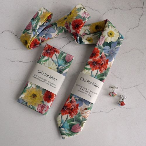 Liberty Meadow Melody tie pocket square and cufflinks