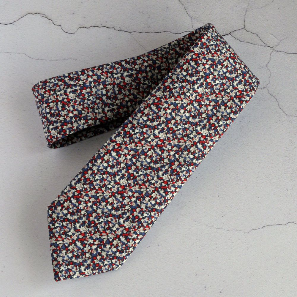 Classic Liberty print tie - Pepper red and blue
