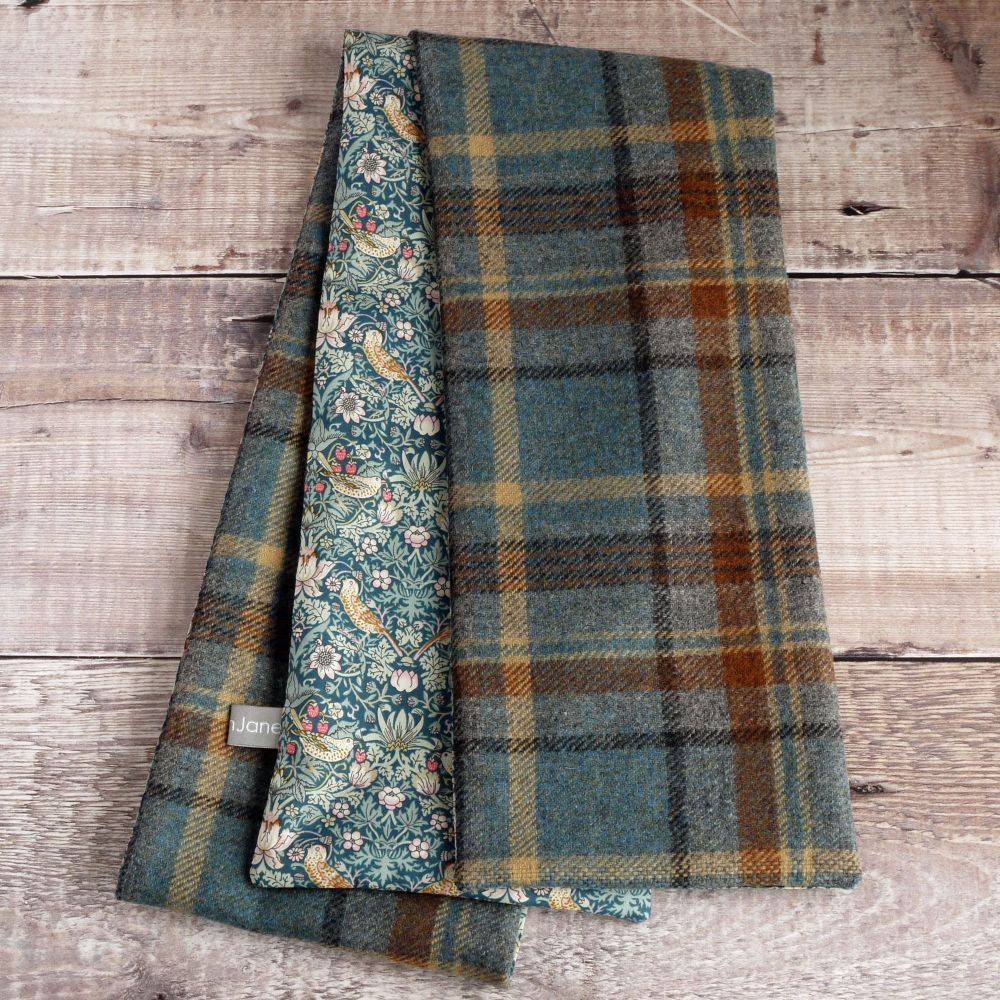 Check tweed and green Strawberry Thief scarf