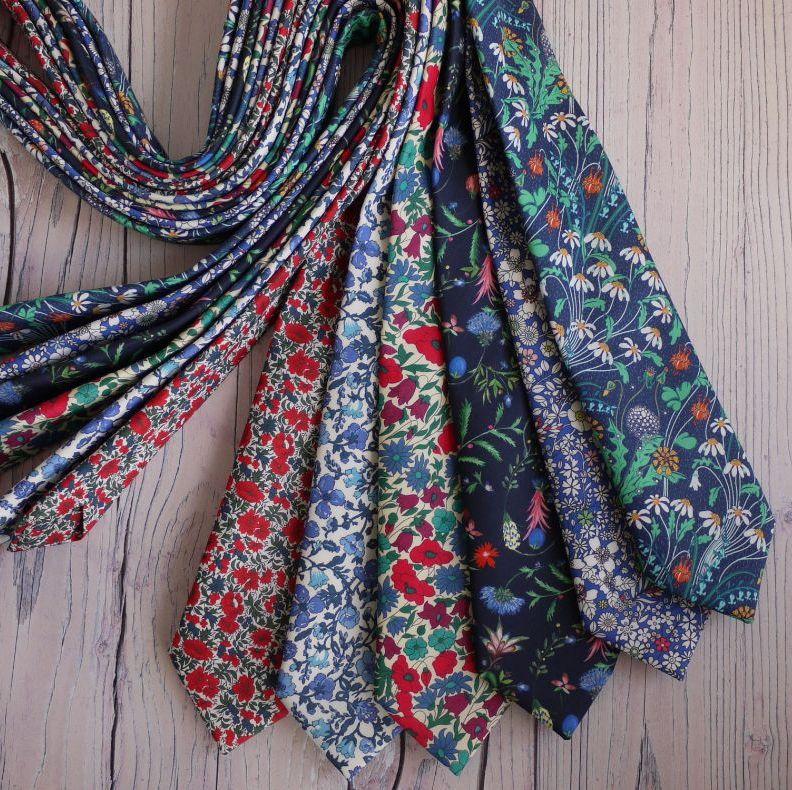 <!-001->Floral ties