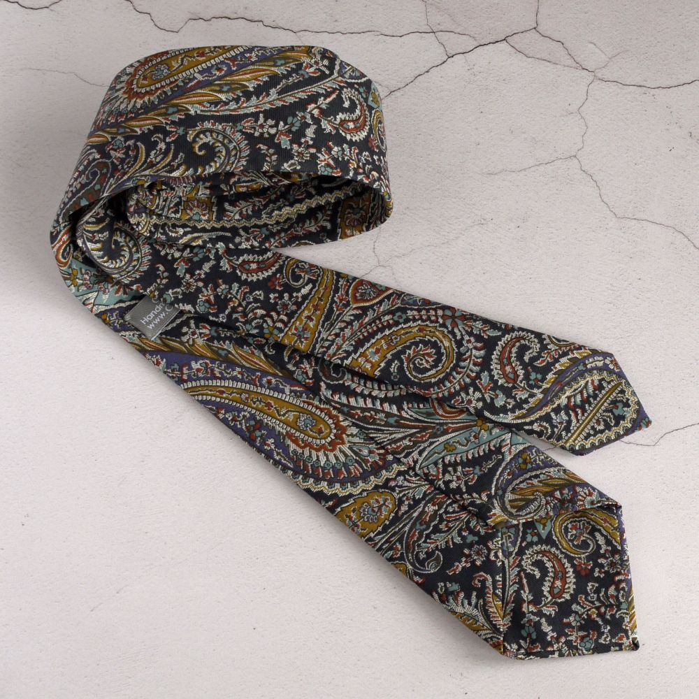 <!-002->Paisley ties