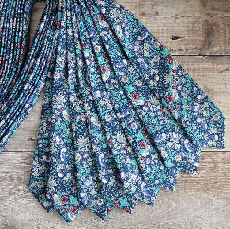 <!-003->William Morris ties