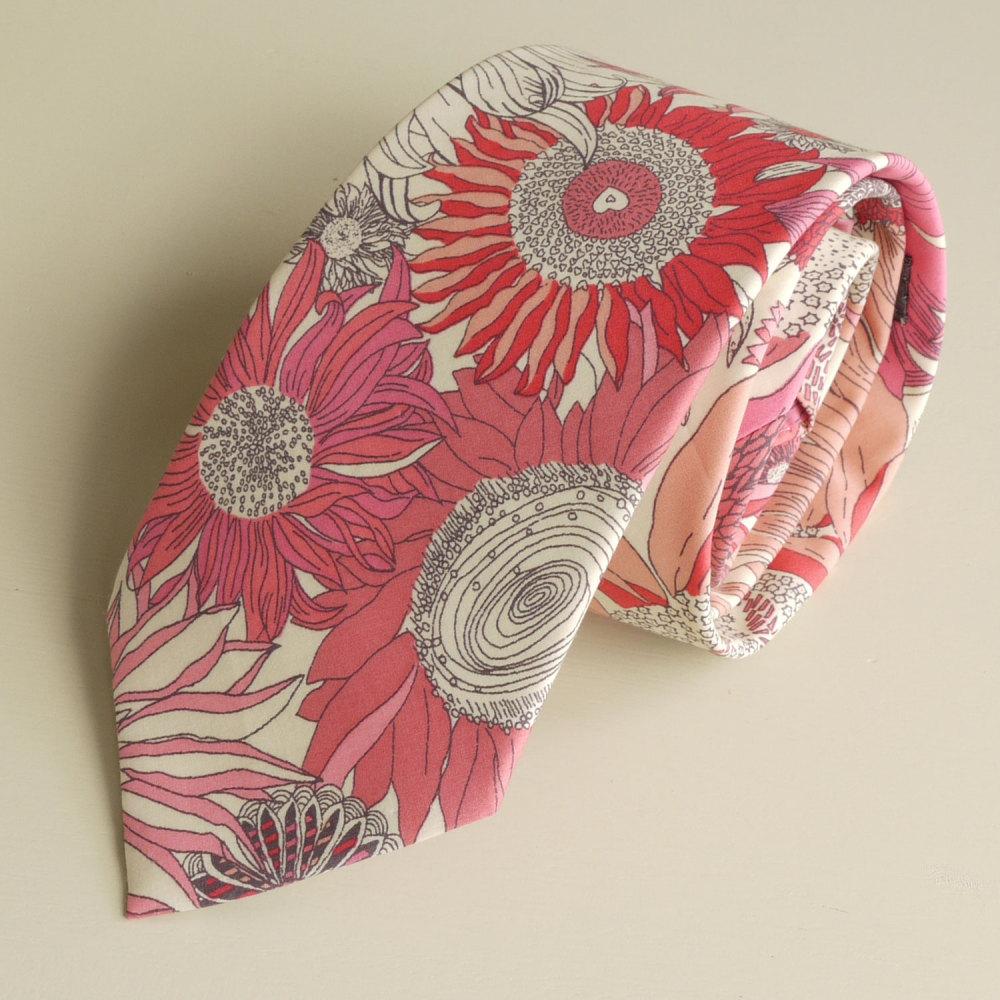 <!-111->Men's Handmade Liberty Tana Lawn Tie - Susanna
