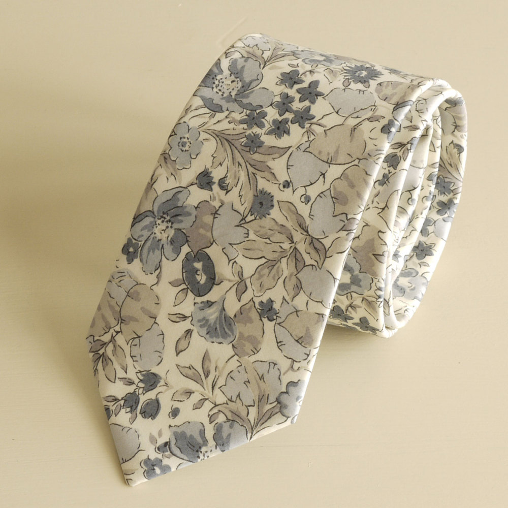 <!-111->Men's Handmade Liberty Tana Lawn Tie - Poppy and Honesty