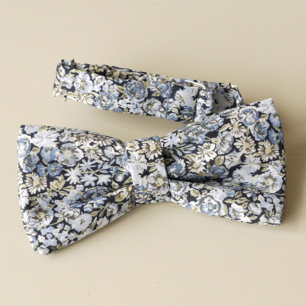 Liberty Bow Tie - Chive blue
