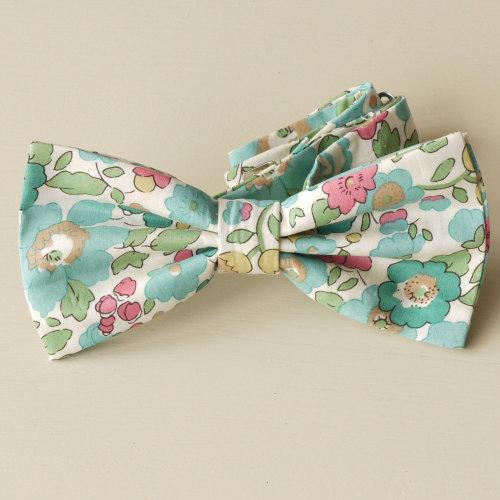 Liberty Bow Tie - Betsy green