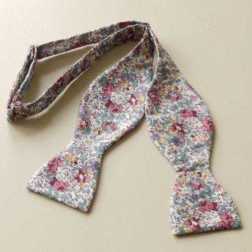 Liberty tana lawn bow tie - Claire Aude purple - floral bow tie
